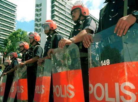 Malaysian riot police