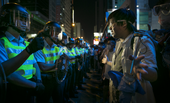 Hong Kong Police Continue To Clear Protest Sites. © Paula Bronstein/Getty Images