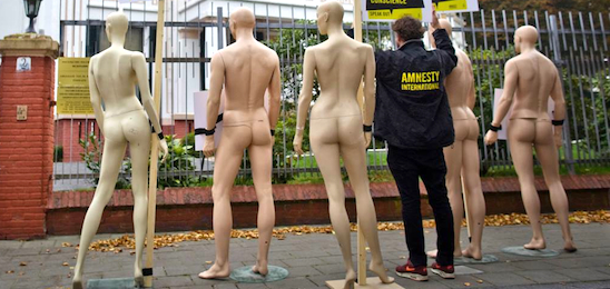 Amnesty Netherlands dummy protest